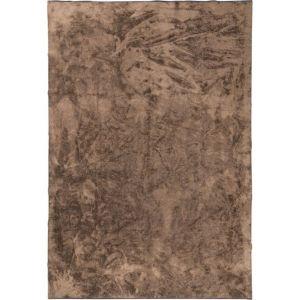 Royce karpet bruin